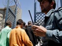 کودکان افغان، قاچاقبران حرفهای و مرزهای پرخطر