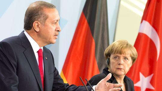 اردوغان خواستار تسریع عضویت ترکیه در اتحادیه اروپا شد