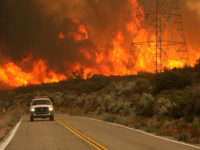 نزدیک شدن آتش سوزی طبیعی جنوب کالیفرنیا به سانتا باربارا